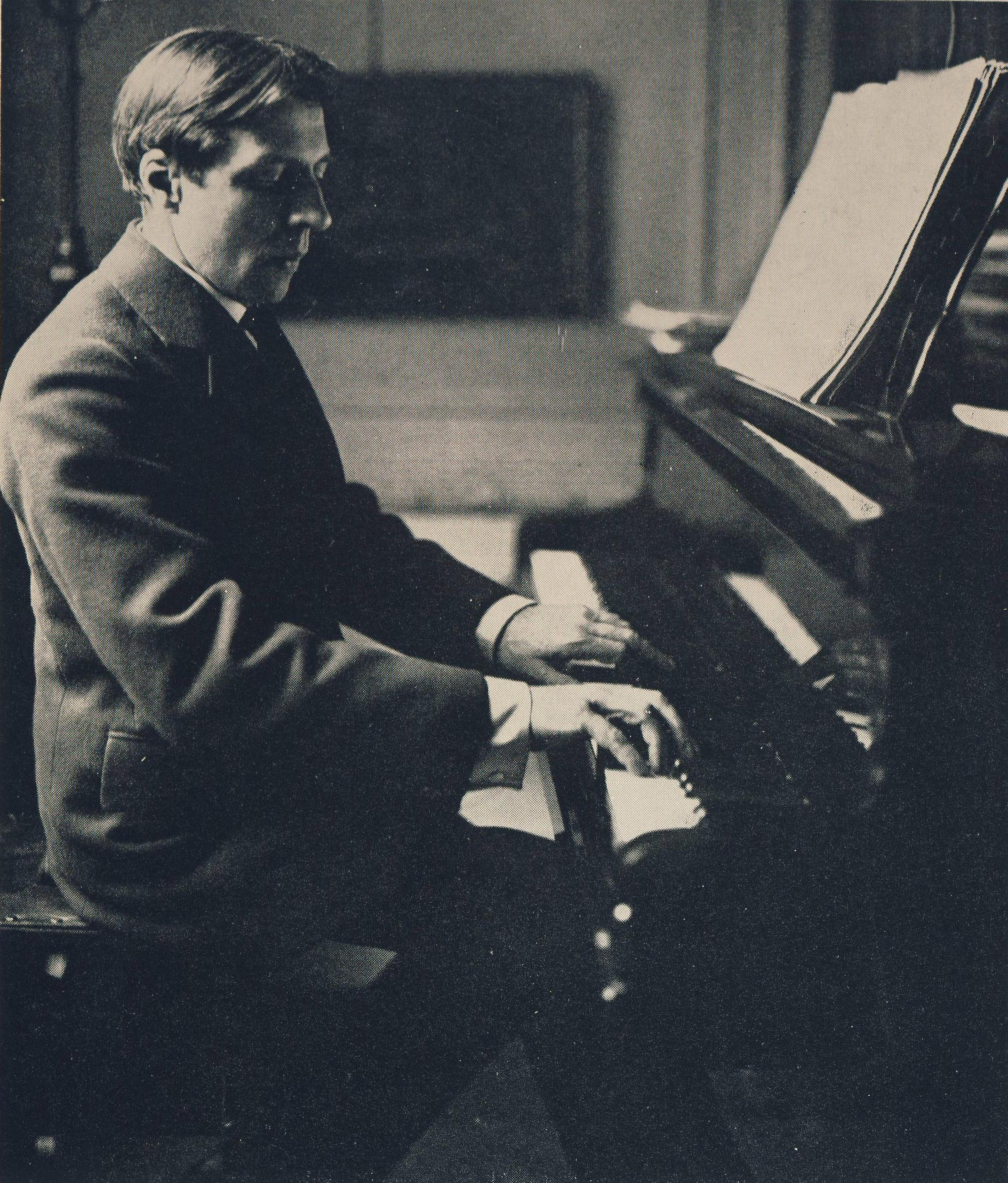 Alfred Cortot playing piano